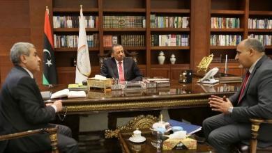 """Photo of """"الثني"""" يبحث عمل لجنة أزمة الوقود"""