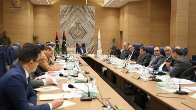 Photo of الحكومة الليبية تكشف سبب تأخر صرف مرتبات شهري يناير وفبراير