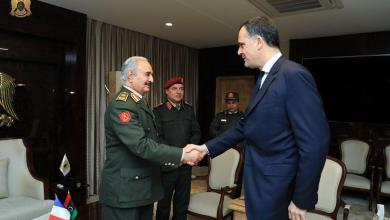"Photo of حفتر يبحث مع مسؤول فرنسي ""مكافحة الإرهاب"""