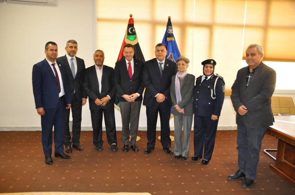 تنسيق بين داخلية الوفاق والصليب الأحمر الدولي