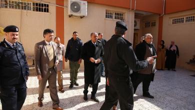 Photo of الثني يتفقد مؤسسة الإصلاح والتأهيل الكويفية في بنغازي