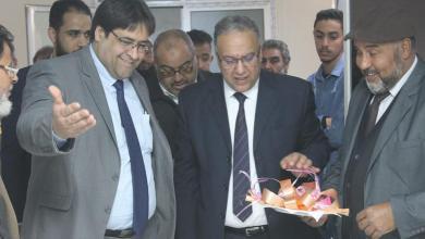 Photo of الورفلي يفتتح قسم الكلي بمستشفي المقريف بأجدابيا