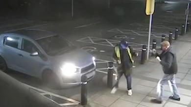 Photo of بالفيديو.. مسن شجاع يواجه لصا حاول سرقته