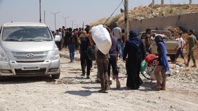 """Photo of """"نزوح كبير"""" من إدلب.. والآلاف ينامون في العراء"""