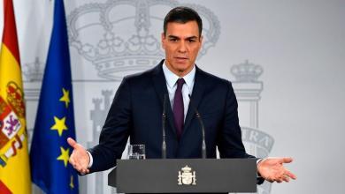 صورة رئيس وزراء إسبانيا يعلن إغلاق البلاد لمدة 15 يوما