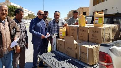 Photo of لمكافحة كورونا.. المهندس شكري الهنيد يتبرع بـ 40 صندوق من المعقمات لبلدية طبرق