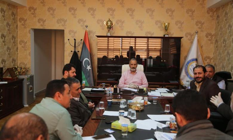 Photo of تاجوراء تفتح باب التطوع للأطقم الطبية للعمل مع لجنة الأزمة والطوارئ بالبلدية