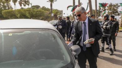 Photo of باشاغا يوزّع الكمّامات الطبية على عدد من المواطنين في طرابلس