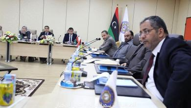 Photo of جامعة طبرق تتدخل لحل أزمة نقص الكوادر الطبية ومكافحة كورونا