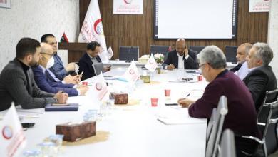Photo of لجنة مجابهة كورونا تطالب الرئاسي بتشديد الإجراءات الاحترازية