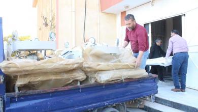 Photo of مواطن يتبرع بـ 7 أسِرّة للعناية و الكشف لمبنى الحجر الصحي في طبرق