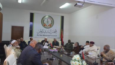 المجلس البلدي زلطن يبحث كيفية تطبيق حظر التجول لمكافحة كورونا
