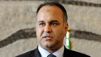 Photo of هل سيقيل الرئاسي علي العيساوي من وزارة الاقتصاد؟