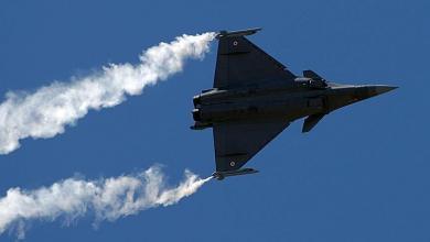 """صورة طائرتان فرنسيتان في سماء ليبيا تستفزان """"خارجية الوفاق"""""""