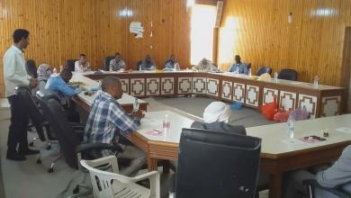 Photo of مناقشة تنفيذ مشروع مصفاة لتكرير النفط في أوباري