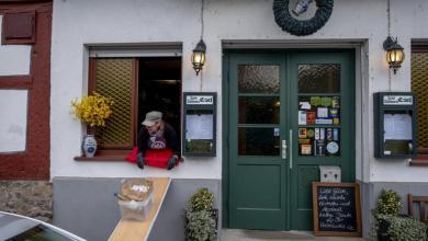 """صورة مطعم عريق يبتكر طريقة لتفادي """"قرار الإغلاق"""""""