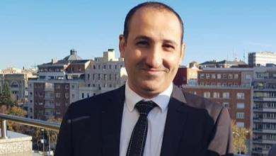 Photo of بالفيديو.. أول مسؤول يمني يصاب بفيروس كورونا