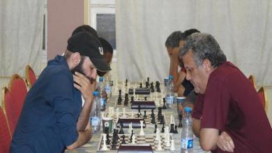 "Photo of تتويج الفائز ببطولة ""الزم بيتك"" للشطرنج"