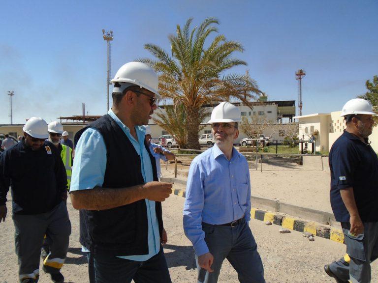 """حقل أبوالطفل التاربع لشركة مليتة أثناء زيارة رئيس مؤسسة النفط- """"أرشيفية"""""""
