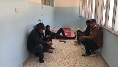 Photo of تونسيّون وجزائريّون عالقون بليبيا يناشدون حكوماتهم بإعادتهم