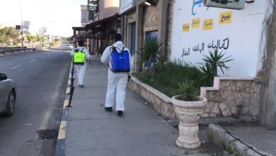 Photo of شبان متطوعون يعقمون شوارع ومحال غوط الشعال