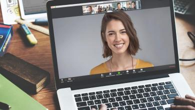 صورة نصائح للاهتمام بمظهرك في فيديوهات اجتماعات العمل عن بعد