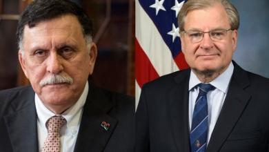 Photo of السفير الأمريكي يتواصل مع السراج بشأن مفاوضات وقف القتال