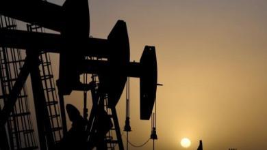 صورة أسعار النفط العالمية تواصل الهبوط