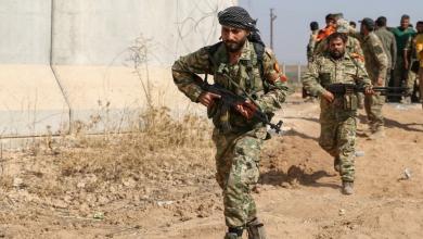 """Photo of """"سماسرة"""" لإغراء مرتزقة سوريين بالقتال في ليبيا"""
