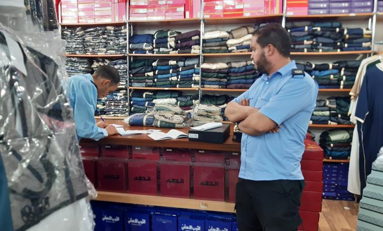 Photo of تجار ملابس لـ218: الحظر سيلتهم رأس المال