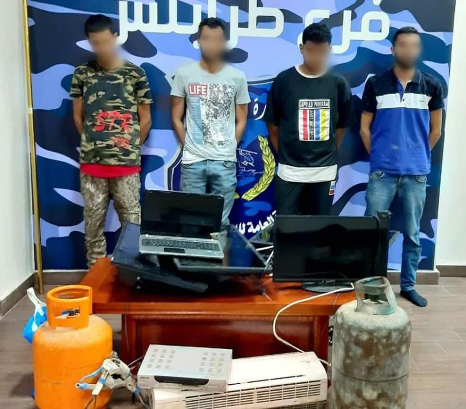 طرابلس .. ضبط عصابة تسرق المنازل في عين زارة