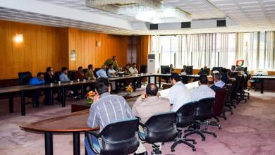 Photo of بلدية سرت تناقش أزمة تأخر مرتبات العاملين بالشركة العامة لخدمات النظافة