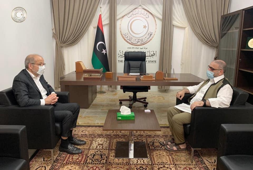 خالد المشري رئيس المجلس الأعلى للدولة يجتمع مع محافظ مصرف ليبيا المركزي الصديق الكبير