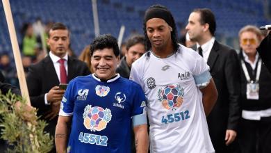 Photo of رونالدينيو يدرس الانضمام لفريق مارادونا