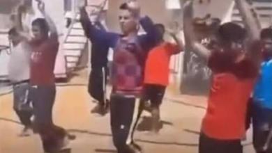 Photo of منطمة حقوقية تطالب بمحاسبة المتورطين في حادثة اعتقال وتعذيب العمالة المصرية