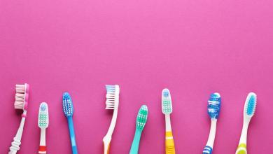 صورة للعناية بجمالك.. 7 استخدامات غريبة لفرشاة الأسنان
