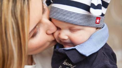 صورة متلازمة القبلة لدى الأطفال.. مرض خطير هل تعرفين ما هو؟