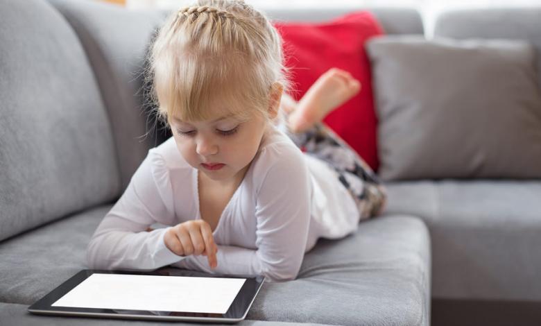 Photo of مخاطر الإنترنت و3 نصائح لتحمي طفلك منها