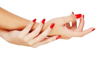 """صورة خطوات مهمّة للعناية بأظافرك وإبراز """"أنوثة يديكِ"""""""