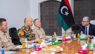 صورة باشاغا يجتمع بِآمِرِي المناطق العسكرية الثلاث