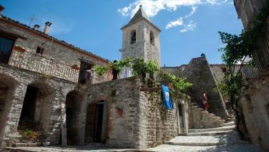 Photo of بلدة إيطالية تغري السياح بمنازل فاخرة مجانية