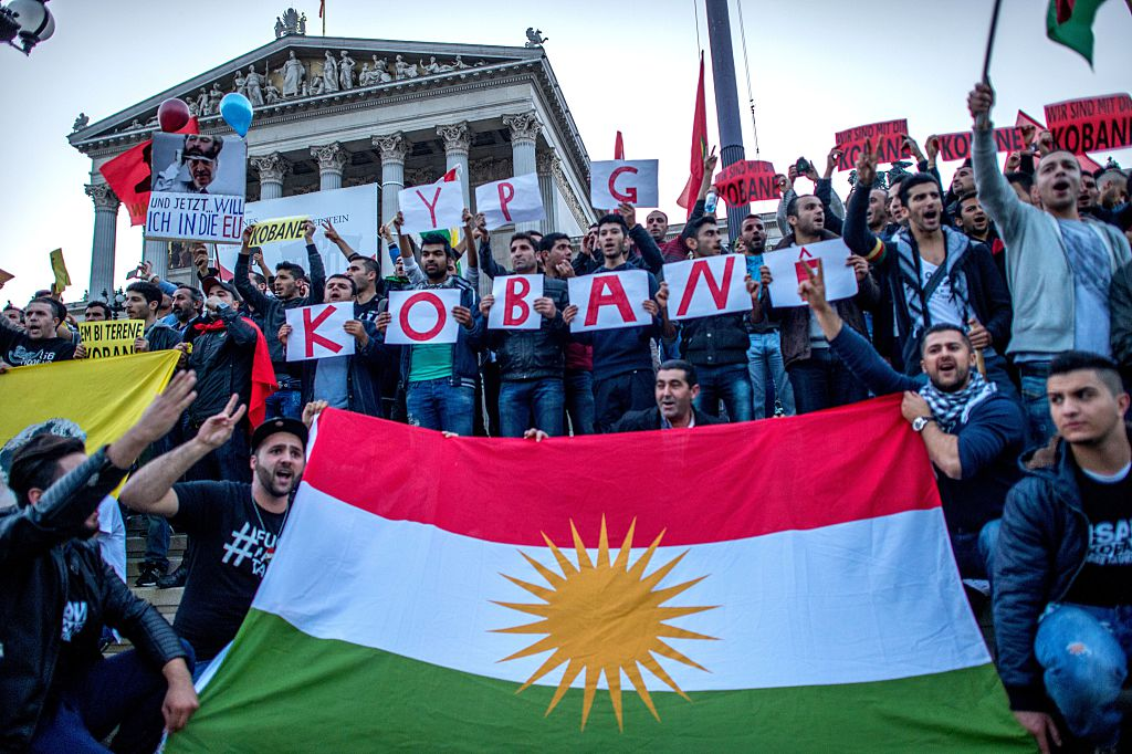 اشتباكات كردية تركية في فيينا توتر العلاقات بين تركيا والنمسا