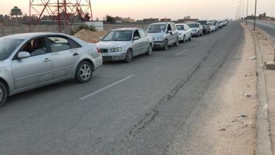 """Photo of غدامس تُنهي """"أزمة الطوابير"""" أمام محطة الوقود"""