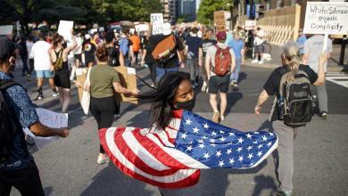 "Photo of مشهد ""فلويد"" يتكرر.. حادثة تزيد نار احتجاجات أميركا"
