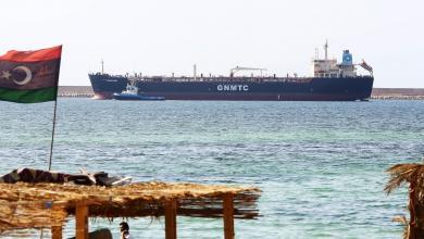 Photo of مصدر لـ 218: وصول 29 ألف طن من البنزين لميناء بنغازي