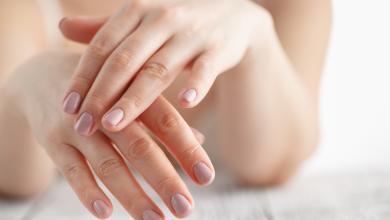 Photo of أسرار صحتك تكشفها 4 علامات على يديك