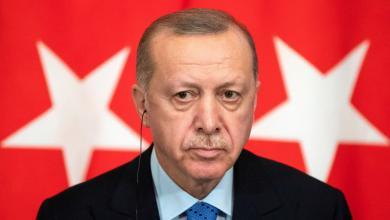 Photo of وفد تركي عسكري يصل طرابلس.. وأردوغان يُوضّح