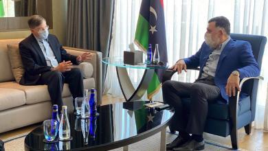 Photo of النفط يجمع السراج مع السفير الأمريكي لدى تركيا