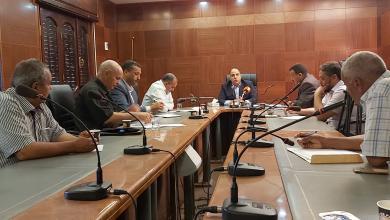 Photo of القنطري يجتمع مع عمداء البلديات لدعم المرافق الرياضية