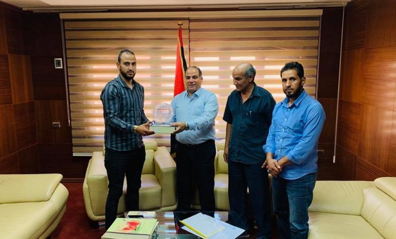 Photo of هيئة الشباب والرياضة تناقش تطوير الفروسية الليبية